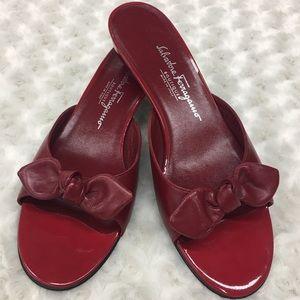 Salvatore Ferragamo Boutique Bow Slides Size 9